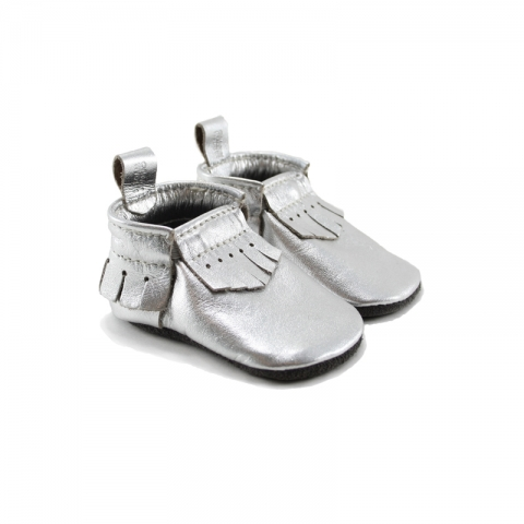 mally mocs baby moccasins with fringe - silver